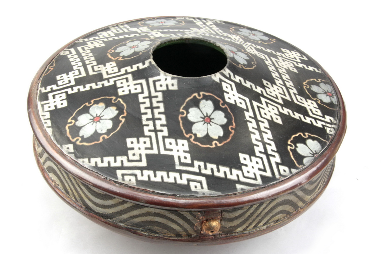 John bedding illustrated earthenware pot