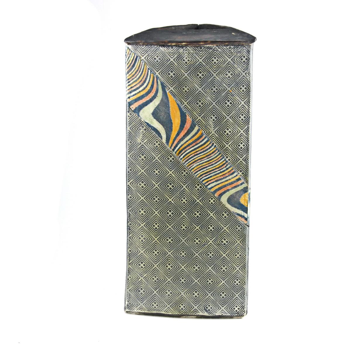 Triangular pot 40x16 SOLD - P20